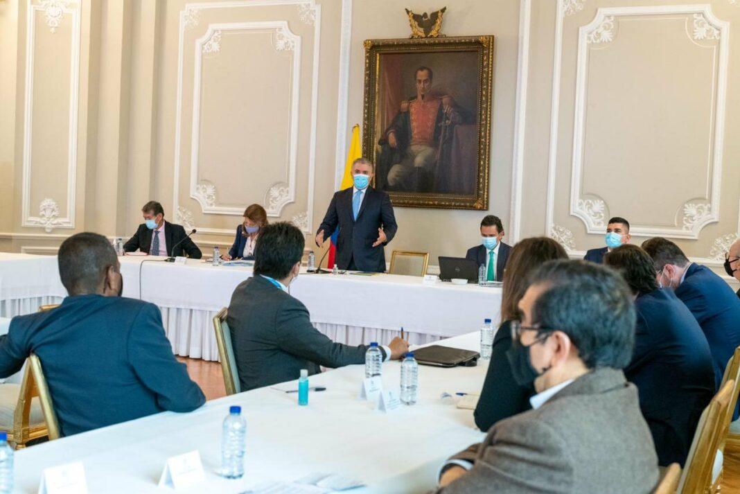 Duque con Comité del Paro/ Twitter Iván Duque